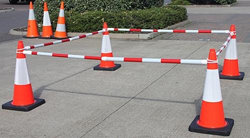 ป้องกันอันตรายจากการทำงาน ด้วยท่อกั้นกรวยจราจร (Barricade cone bar) โดย Daprk